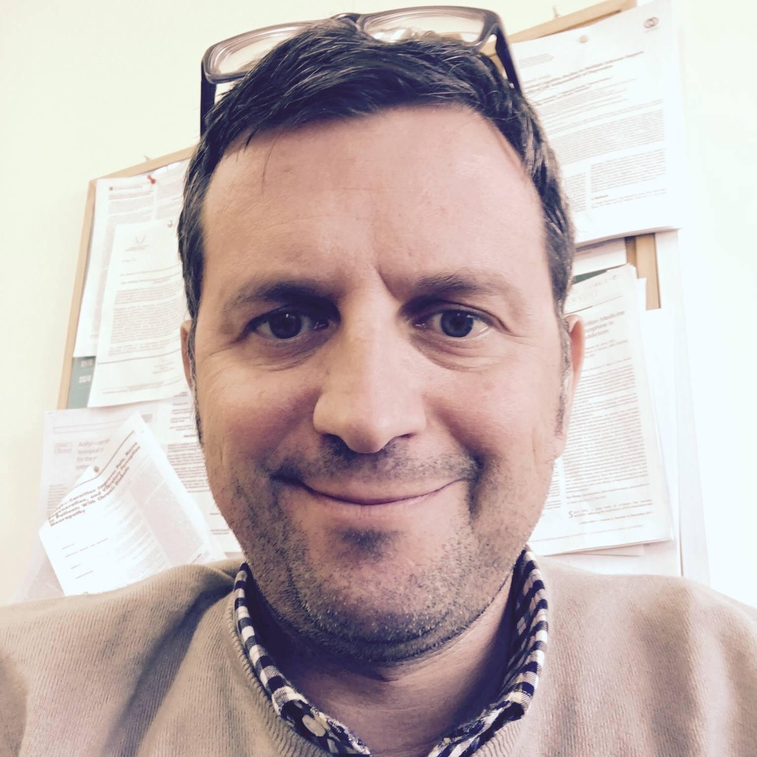 Dr. Lampos Samartzis