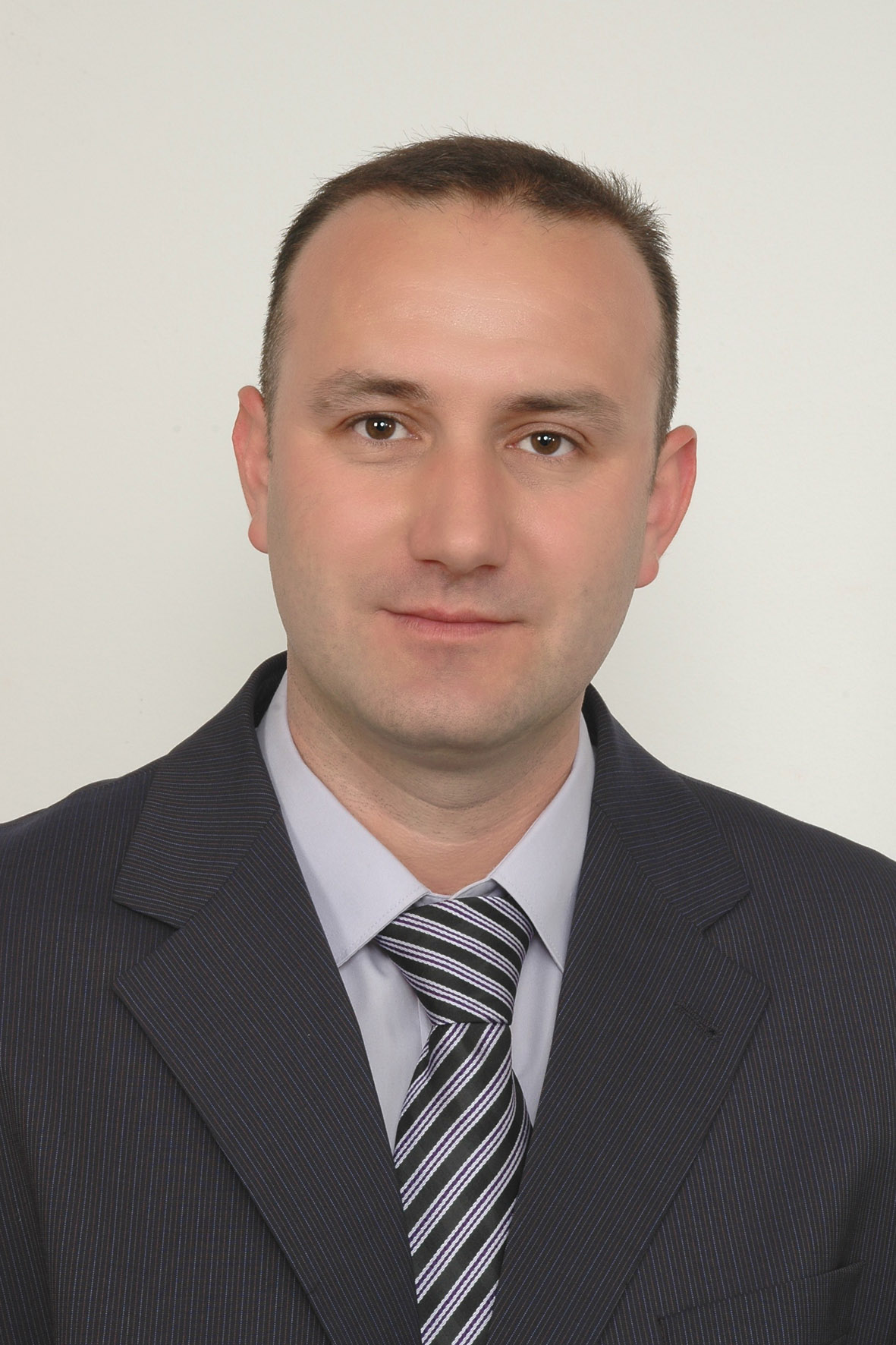Dr. Ratko Pavlović,