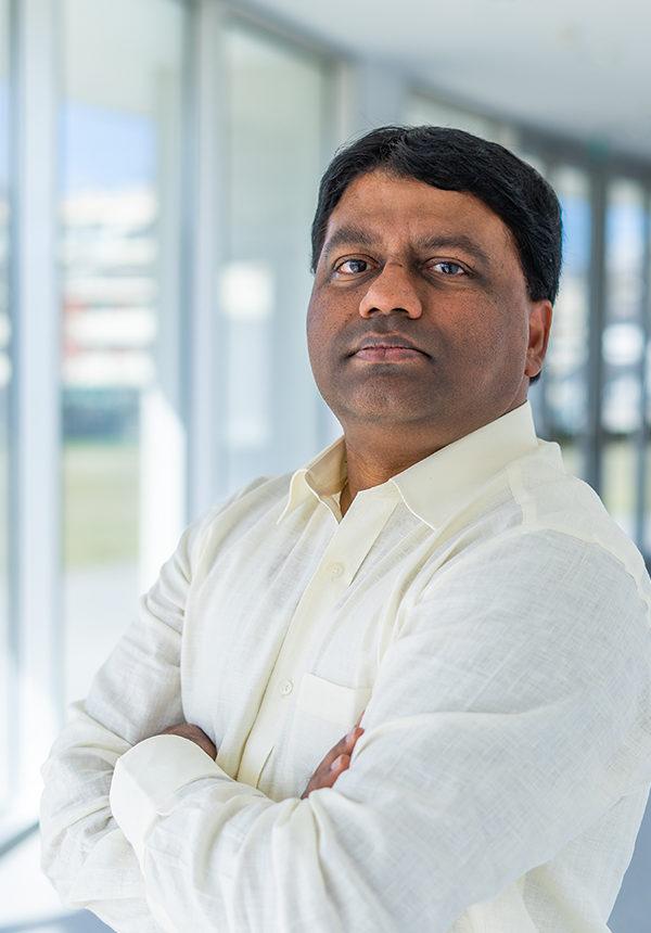 Dr. Leonard Deepak Francis