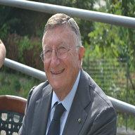 Dr. Giulio Tarro